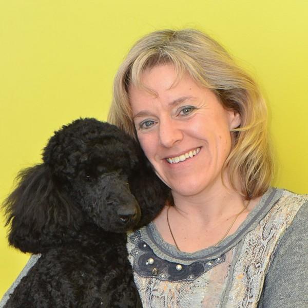 Claudia Nett-Mettler - Dr.med.vet. - Dipl. ACVD & ECVD