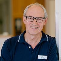 Dr. Josef Schiele - Fachtierarzt für Kleintiere, Zusatzbez. Kardiologie, Mitglied im Collegium Cardiologicum, Spezielle Chirurgie | Kardiologie | Augenheilkunde | CT